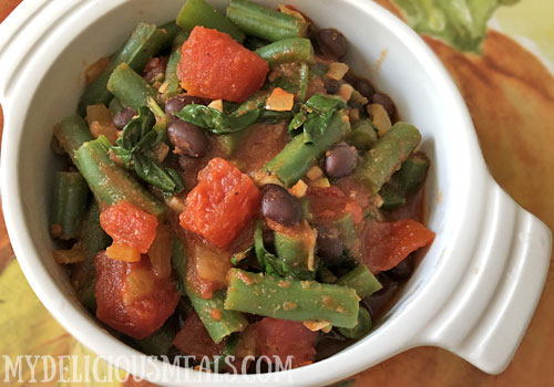 Green Beans and Spinach in Coriander Tomato Sauce