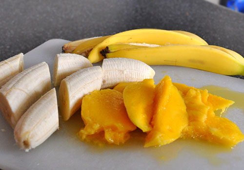 Mango and Banana Smoothie with Milk | Mydeliciousmeals.com