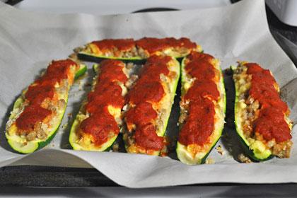 Свиная колбаса с начинкой из кабачков фото инструкция 6