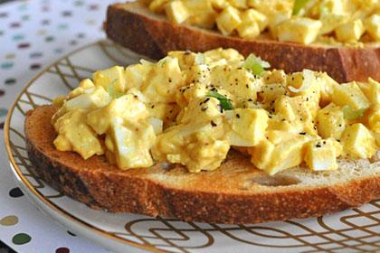 Простой яичный салат с паприкой фото инструкция 4