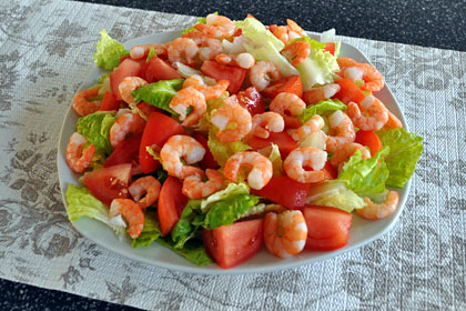 Shrimp Salad with Lettuce and Tomatoes photo instruction 2